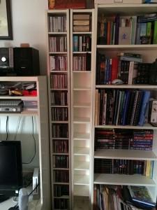 Und so hübsch sieht das CD-Regal jetzt aus. Noch richtig viel Platz für die CDs von Herrn Schatz.