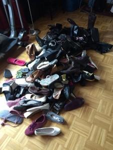 Dies ist der Schuhhaufen des Grauen, sprich ALLE Schuhe, die ich besitze.